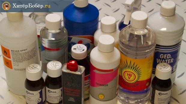 Разного рода жидкости в пластиковых бутылочках