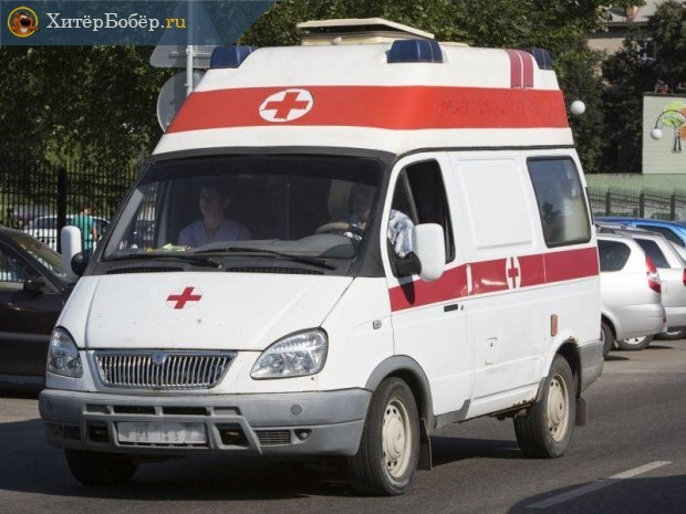Автоомобиль «скорой помощи» на улице
