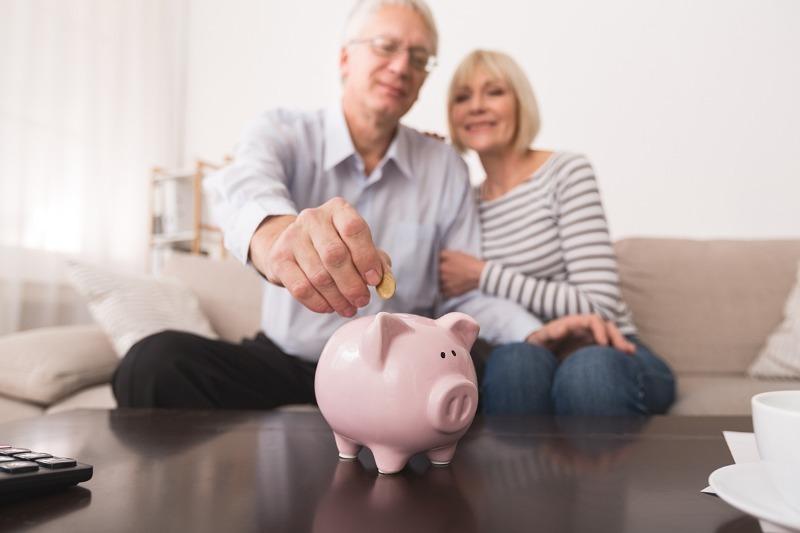 Причины, по которым не стоит копить деньги «на старость»